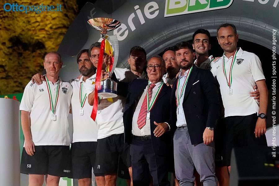 panchina-d-argento-a-mister-inzaghi-per-lo-scorso-campionato-di-serie-b